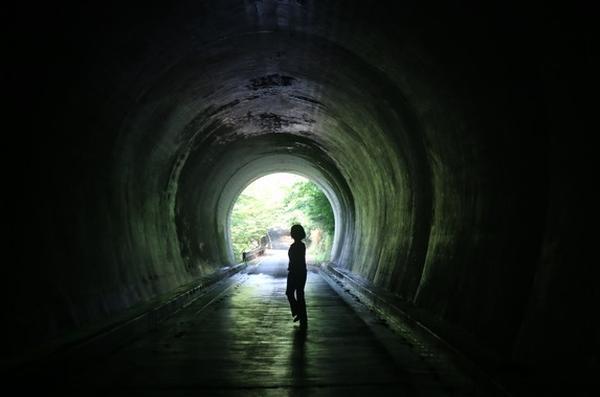 トンネルの中は