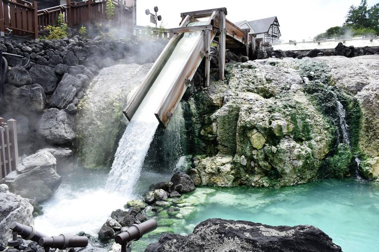 湯畑の「湯滝」