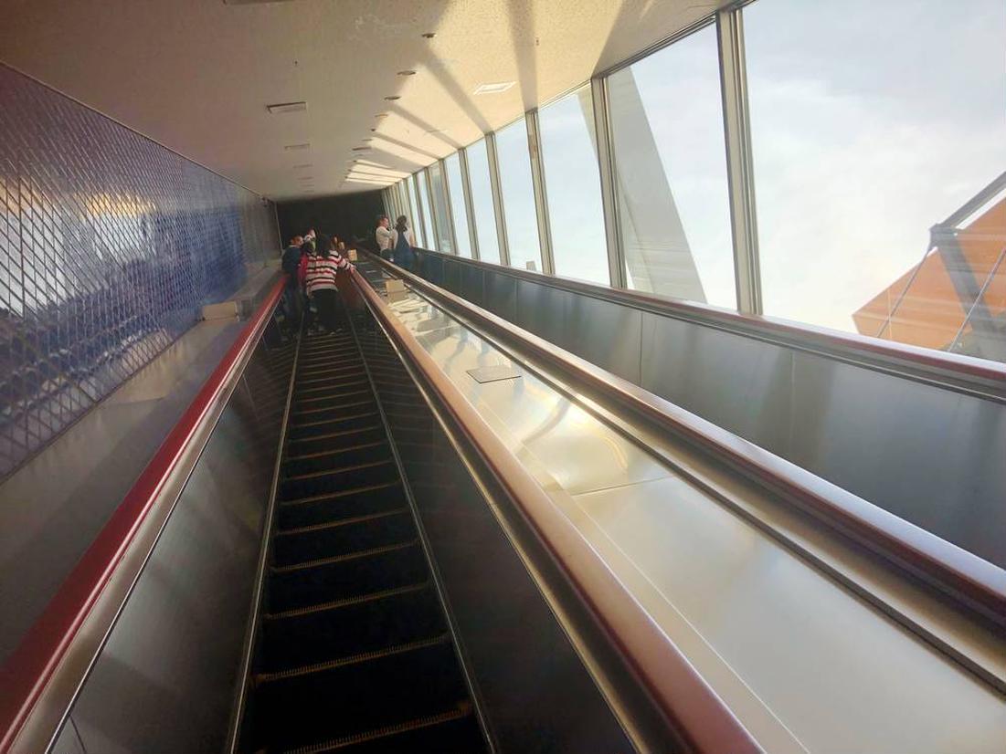 5階分を一気に登るエスカレータ