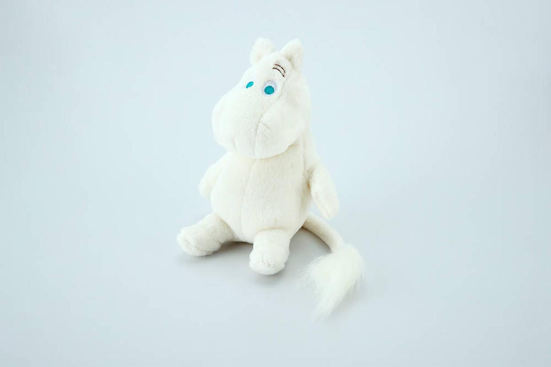 ぬいぐるみ ムーミン(2,200円)© Moomin Characters ™