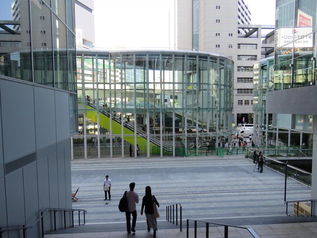稲荷橋広場