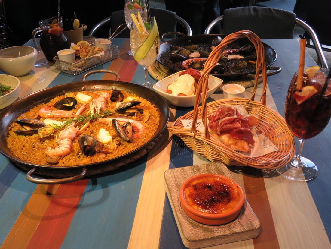 【日本初上陸】 3階 スペイン料理「チリンギート エスクリバ(XIRINGUITO Escribà)