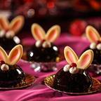 不思議の国のアリスの世界観を表現!旬のいちごと相性抜群のチョコレートを組み合わせたデザートブッフェが開催