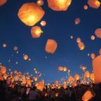 ドームテントに囲まれて、幻想的な夜空に願いを飛ばしてみよう「スカイランタン七夕祭り」
