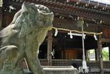 八剣神社を横切るJR