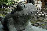 何故かカエル像が多い