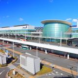 【羽田空港第2ターミナル完全ガイド】おしゃれで洗練された空間はデートにもおすすめ!