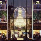 今年も世界最大級のバカラシャンデリアに明かりが灯る!願いの光に包まれる「恵比寿ガーデンプレイス」
