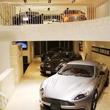 アストンマーティン (Aston Martin) 赤坂