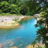 堂々と流れる青い川「庄川」