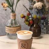 BY & BY coffee and bar(バイアンドバイ コーヒーアンドバー)