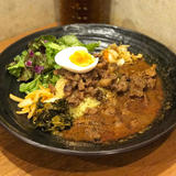spicy curry 魯珈 (スパイシーカレーろか)