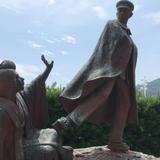 貫一お宮の像(お宮の松)