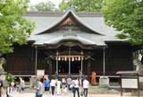 鳩が多い!縄手通隣の四柱神社