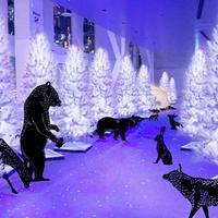 天空の白い森と動物たち イメージ