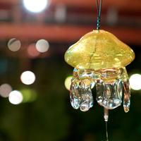 ライトアップされたクラゲ風鈴 イメージ