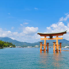 【宮島観光の楽しみ方完全ガイド】神秘の厳島神社と絶品グルメを大満喫!