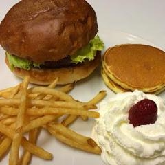Burger and Pancake Rana Maruyama (バーガー&パンケーキ ラナ円山)