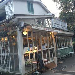 カフェ・ドゥ・リエーヴル うさぎ館 (cafe du lievre)