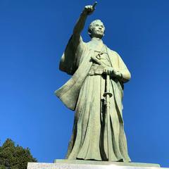 勝海舟銅像