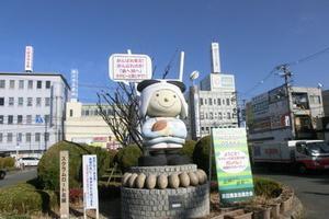 高校ラグビーの甲子園・花園。ラグビーボールと瓢箪で有名な神社を訪ねながら東大阪を旅しよう