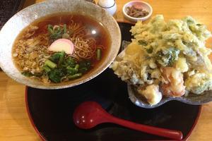 山盛りの野菜天ぷらにあなたも絶対笑顔になる♡