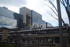 京都駅がおもろおまっせ!