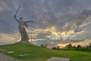 世界の巨大像を巡る