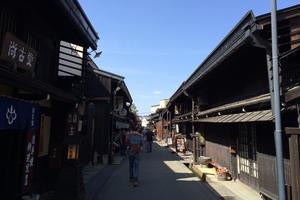 古き町並み、飛騨高山で食べ歩き♪ちょい散歩♪