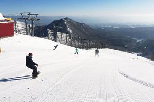 夏油高原スキー場でスノボ