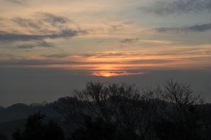 日の出と、海鮮丼と、牛タンと、仙台の旅。