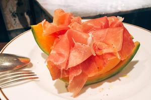 三軒茶屋で伝統的なイタリア料理を楽しむ