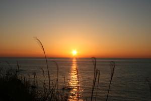 国境の島、対馬から夕陽を見る