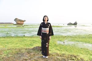 しっとり女らしく!久米島紬で女子力UPの旅