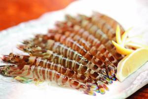 生産量日本一!久米島の車エビを食べつくす