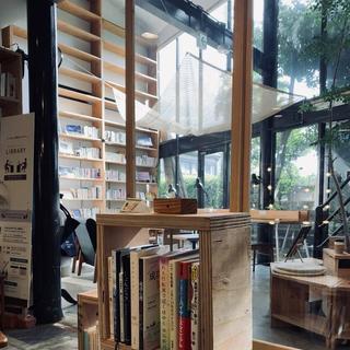 カフェ木と本