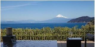 西伊豆から駿河湾に浮かぶような富士山を独占する