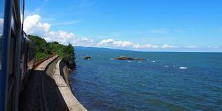 2泊3日で1都9県「日本海を見る旅」。ローカル列車でめぐります。ぜひ、みなさんにもこの感動を。