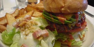 神戸で評判の美味しいハンバーガー食べに行こう!その後は南京町や神戸を散策,最後にハーバーランドへ♪