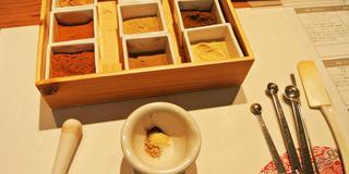 神楽坂でお香作り体験♡丸の内の美味しいパンランチも!