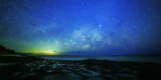久米島の空を貸し切る!島人しか知らない秘密スポットで朝日・夕日・星空三昧の旅