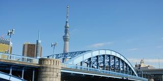 江戸情緒を伝承する老舗が軒を連ねる浅草の離れ座敷-駒形橋