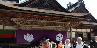 開創1200年の高野山に仏教体験に行こう!