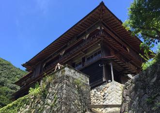 奈良・十津川村 山奥の中で見つけたエメナルドグリーンの秘境とカフェ
