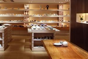 表参道ショッピング、和食器をほどよく歩きながら集めよう!