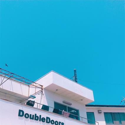 ダブルドアーズ 七里ガ浜(DOUBLE DOORS)