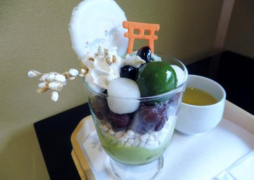 京都、伏見稲荷大社で楽しいお参りを…!