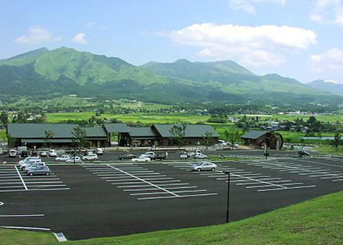【鉄板コース】阿蘇カルデラ南北縦断へ。絶景堪能コース+お食事&カフェスポット【熊本県】