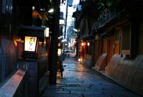 古風な京都に行きましょう