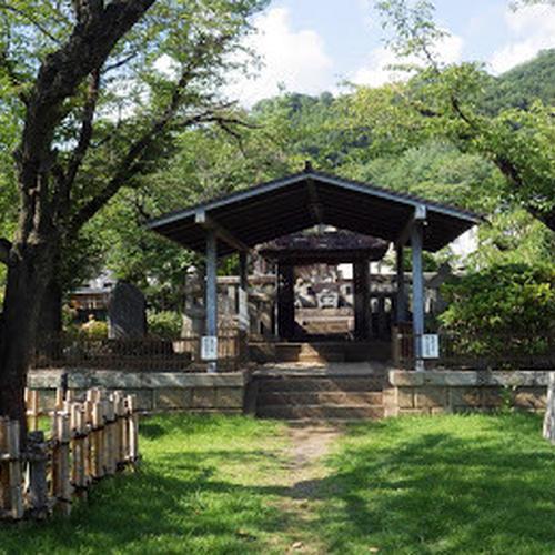 武田信玄公の墓